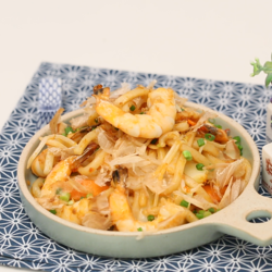 Mid thumb stir fried udong 01